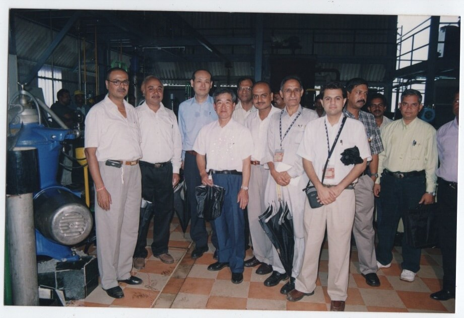 August 2004, Solvent Extractors Association and delegates from Japan visit our refinery.